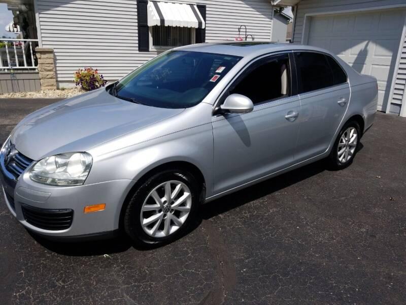 2010 Volkswagen Jetta for sale at CALDERONE CAR & TRUCK in Whiteland IN