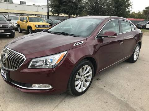 2016 Buick LaCrosse for sale at AMIGO USED CARS in Houston TX