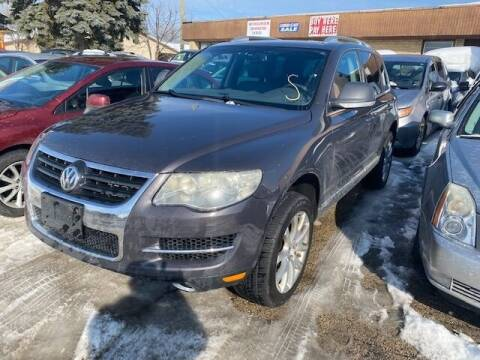 2008 Volkswagen Touareg 2 for sale at NORTH CHICAGO MOTORS INC in North Chicago IL