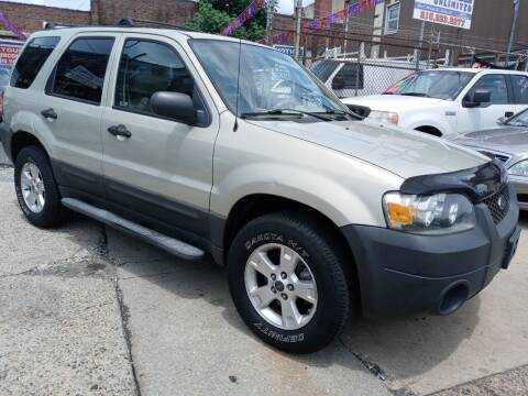 2005 Ford Escape for sale at AUTO DEALS UNLIMITED in Philadelphia PA