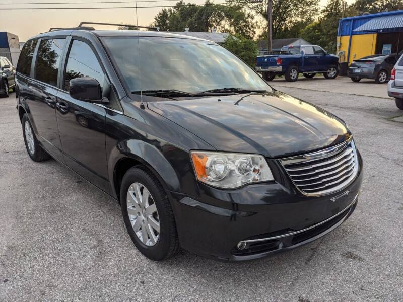 2014 Chrysler Town and Country Touring 4dr Mini-Van - Pearland TX