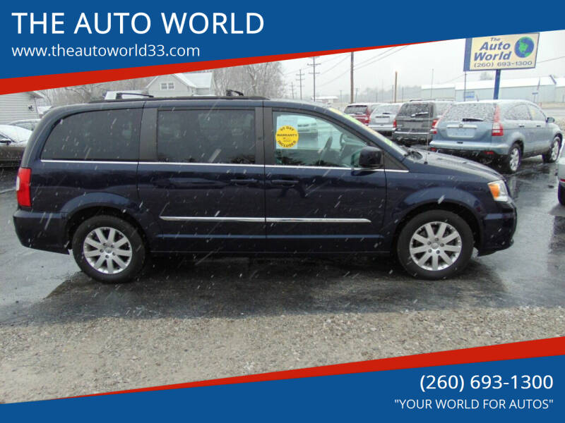 2014 Chrysler Town and Country for sale at THE AUTO WORLD in Churubusco IN