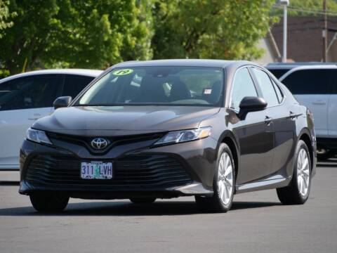 2019 Toyota Camry for sale at CLINT NEWELL USED CARS in Roseburg OR