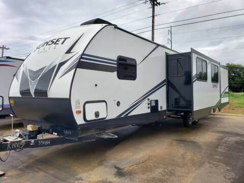 2019 Keystone Sunset trail 331BH for sale at Ultimate RV in White Settlement TX