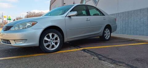 2005 Toyota Camry for sale at Double Take Auto Sales LLC in Dayton OH