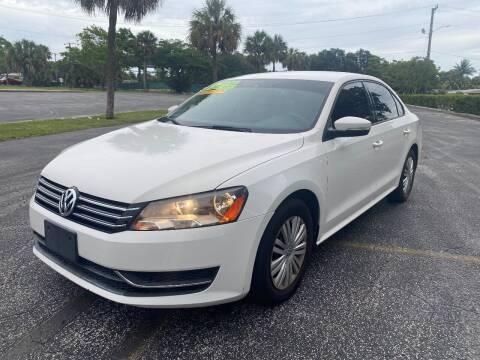 2014 Volkswagen Passat for sale at Lamberti Auto Collection in Plantation FL