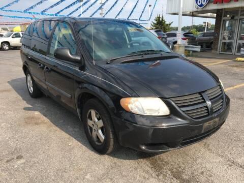 2006 Dodge Caravan for sale at I-80 Auto Sales in Hazel Crest IL