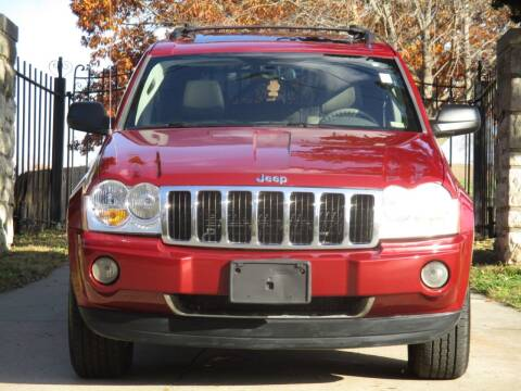 2005 Jeep Grand Cherokee for sale at Blue Ridge Auto Outlet in Kansas City MO