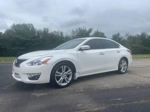 2014 Nissan Altima for sale at Crawley Motor Co in Parsons TN
