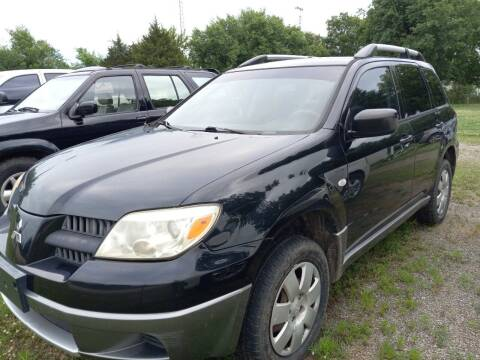 2005 Mitsubishi Outlander for sale at C & R Auto Sales in Bowlegs OK