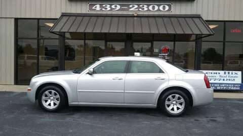 2005 Chrysler 300 for sale at MotorCars LLC in Wellford SC