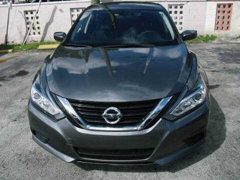 2018 Nissan Altima for sale at SUPERAUTO AUTO SALES INC in Hialeah FL