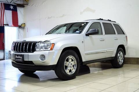 2005 Jeep Grand Cherokee for sale at ROADSTERS AUTO in Houston TX