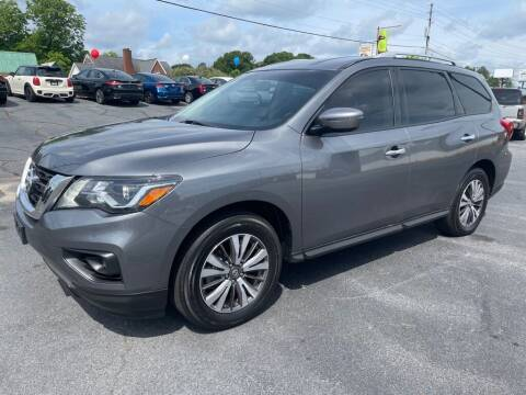 2017 Nissan Pathfinder for sale at Modern Automotive in Boiling Springs SC