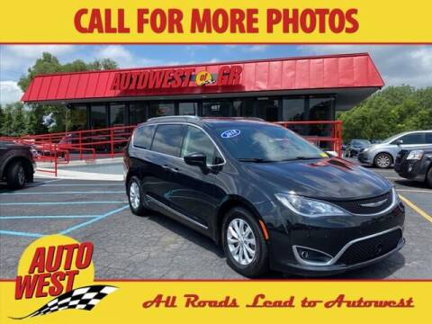 2018 Chrysler Pacifica for sale at Autowest of GR in Grand Rapids MI