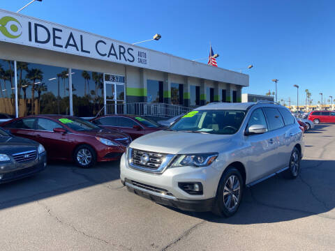 2017 Nissan Pathfinder for sale at Ideal Cars Broadway in Mesa AZ