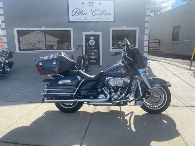 2009 Harley-Davidson Ultra Classic FLHTCU for sale at Blue Collar Cycle Company in Salisbury NC