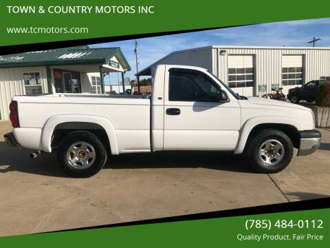 2004 Chevrolet Silverado 1500 for sale at TOWN & COUNTRY MOTORS INC in Meriden KS