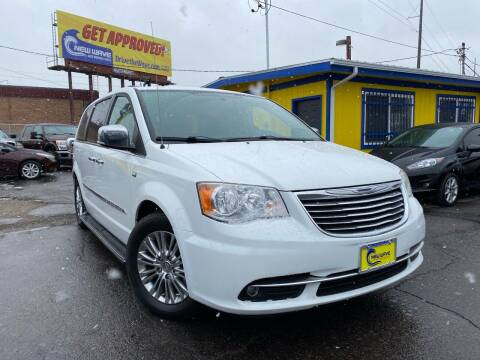2014 Chrysler Town and Country for sale at New Wave Auto Brokers & Sales in Denver CO