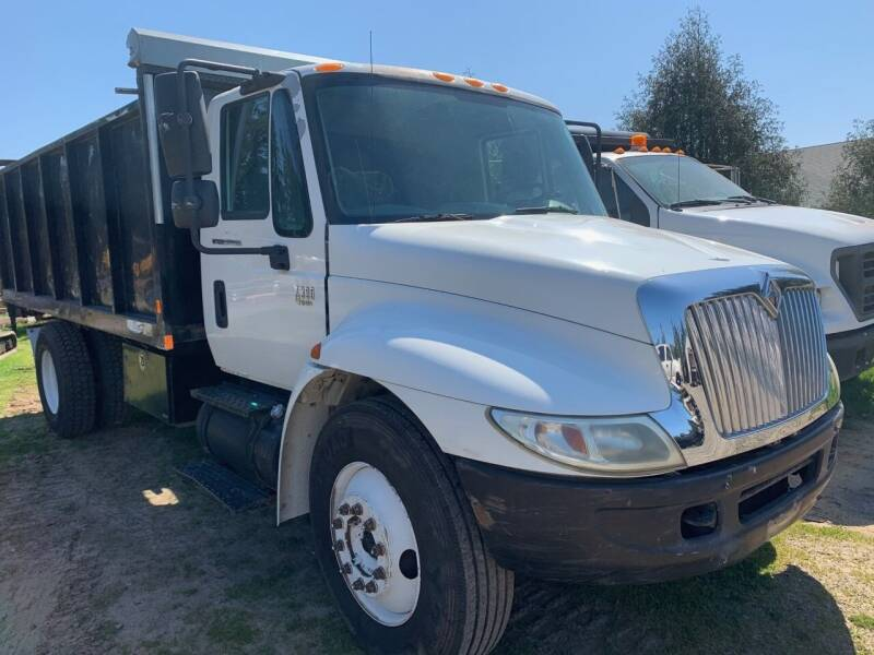 2003 International 4300 for sale at DirtWorx Equipment - Trucks in Woodland WA