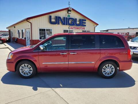 "2015 Chrysler Town and Country for sale at UNIQUE AUTOMOTIVE ""BE UNIQUE"" in Garden City KS"