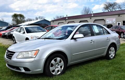 2009 Hyundai Sonata for sale at PINNACLE ROAD AUTOMOTIVE LLC in Moraine OH