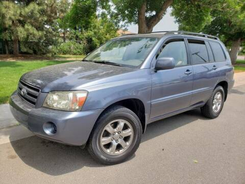 2004 Toyota Highlander for sale at Auto Brokers in Sheridan CO