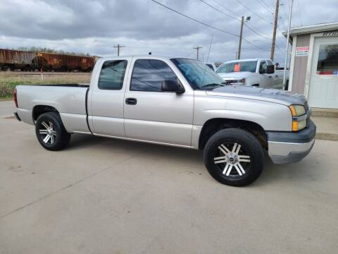 2004 Chevrolet Silverado 1500 for sale at J & J Auto Sales in Sioux City IA