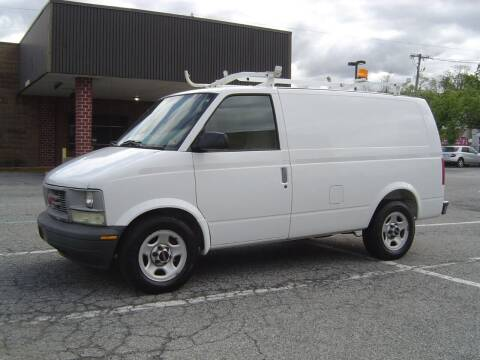 2004 GMC Safari Cargo for sale at Reliable Car-N-Care in Staten Island NY