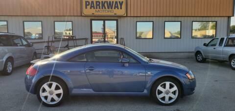 2000 Audi TT for sale at Parkway Motors in Springfield IL