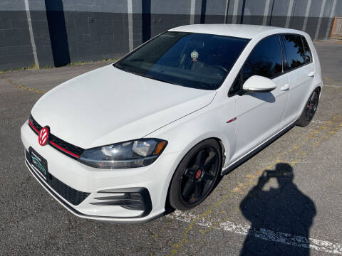 2018 Volkswagen Golf GTI for sale at APX Auto Brokers in Lynnwood WA