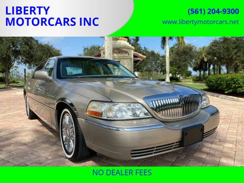 2007 Lincoln Town Car for sale at LIBERTY MOTORCARS INC in Royal Palm Beach FL