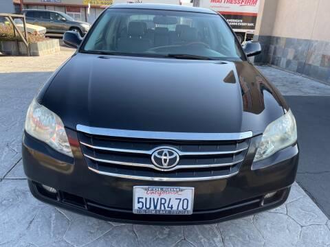 2006 Toyota Avalon for sale at SACRAMENTO AUTO DEALS in Sacramento CA