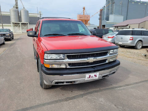 2001 Chevrolet Tahoe for sale at J & S Auto Sales in Thompson ND