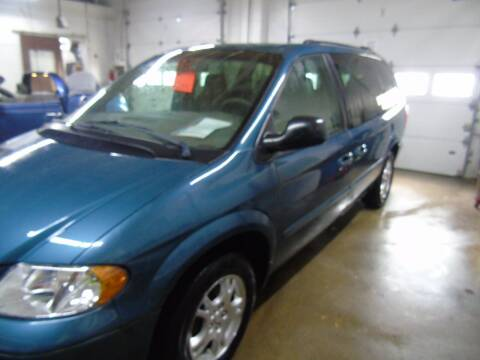 2002 Dodge Grand Caravan for sale at C&C AUTO SALES INC in Charles City IA