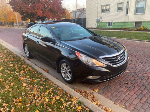 2013 Hyundai Sonata for sale at RIVER AUTO SALES CORP in Maywood IL