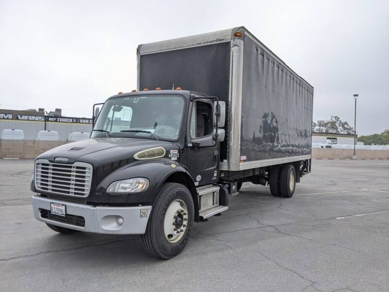 2011 Freightliner M2 106 for sale in Fountain Valley, CA