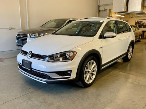 2017 Volkswagen Golf Alltrack for sale at TOWNE AND COUNTRY MOTORS in Woodinville WA