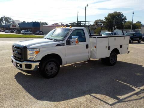 2015 Ford F-350 Super Duty for sale at Young's Motor Company Inc. in Benson NC