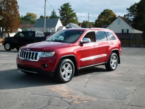2011 Jeep Grand Cherokee for sale at Bill Caito's Mann Motors in Warwick RI
