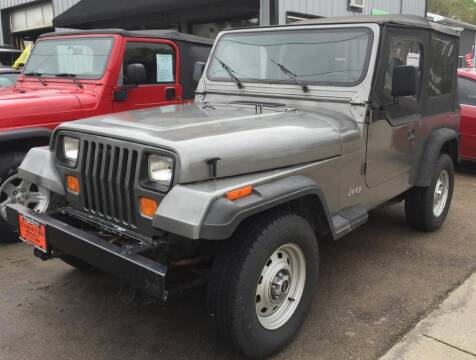 1991 Jeep Wrangler for sale at Knowlton Motors, Inc. in Freeport IL
