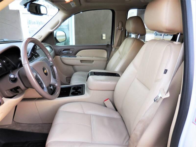 2011 Chevrolet Tahoe 4x4 LT 4dr SUV - Stilwell KS
