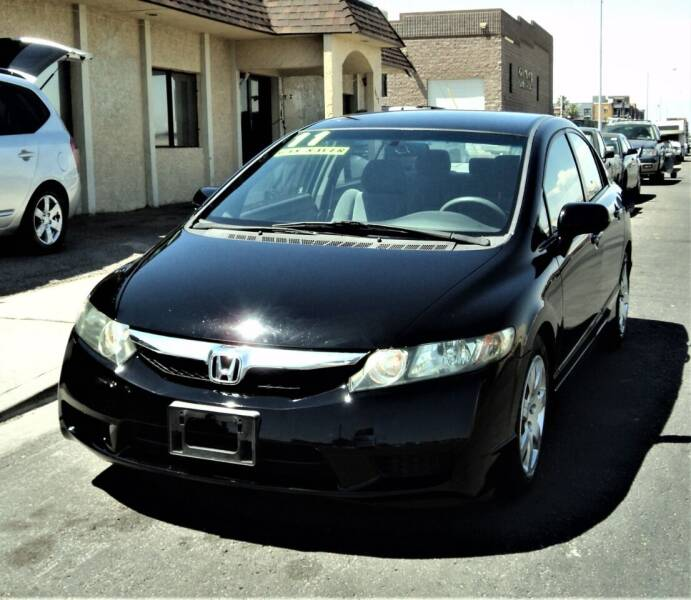 2011 Honda Civic for sale at DESERT AUTO TRADER in Las Vegas NV