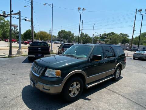 2003 Ford Expedition for sale at Smart Buy Car Sales in Saint Louis MO