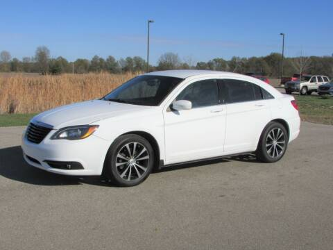2013 Chrysler 200 for sale at 42 Automotive in Delaware OH