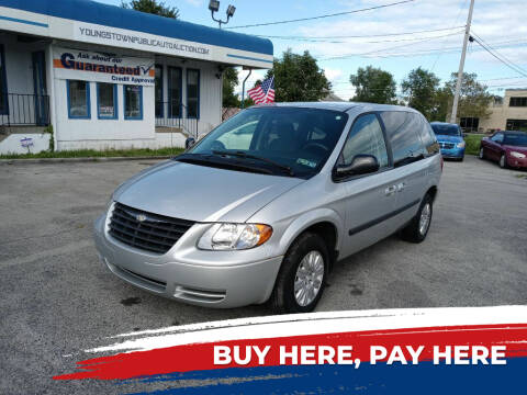 2005 Chrysler Town and Country for sale at E.L. Davis Enterprises LLC in Youngstown OH
