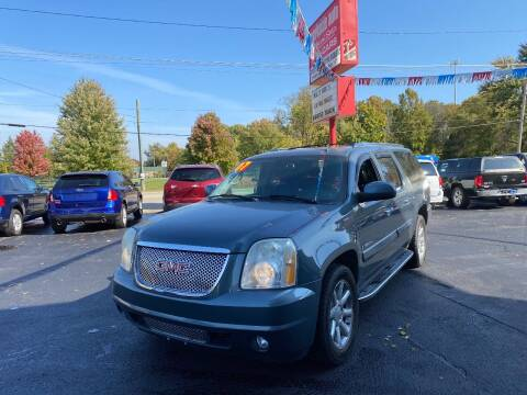 2007 GMC Yukon XL for sale at Parkside Auto Sales & Service in Pekin IL