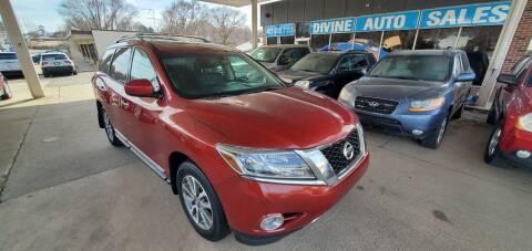 2013 Nissan Pathfinder for sale at Divine Auto Sales LLC in Omaha NE