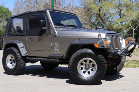 2005 Jeep Wrangler for sale at SELECT JEEPS INC in League City TX