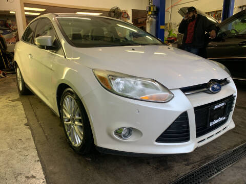 2012 Ford Focus for sale at AUTO TRADE CORP in Nanuet NY